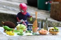 在泰国网友的镜头下,蜘蛛侠开始卖菜了