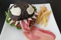日本网友自制毒液汉堡,感觉比餐厅卖的还原?