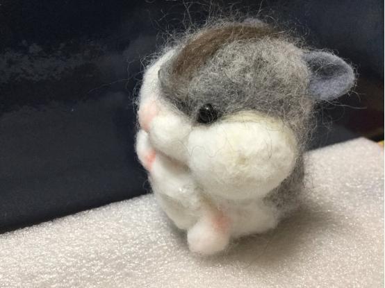 虾米?这个画萌萌哒仓鼠的画师可能是个画黄漫的?