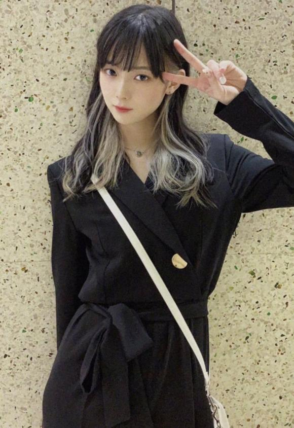 日本画师露出真容,原来是个美少女!画美少女的果然都是美少女么