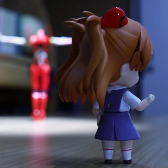 定格动画大师篠?健太新作:EVA2号机体操表演